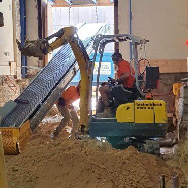 Digger   Conveyor Belt 370x370